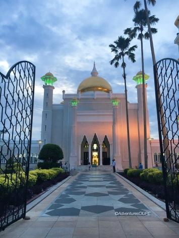 Sultan Omar Ali Saiffudien Mosque